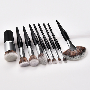 China Manufacturer Custom Logo Makeup Brush Cosmetic Brushes for Powder Liquid Cream