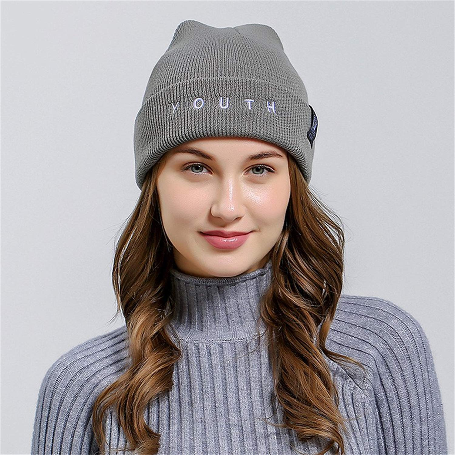 Landor Youth Letter Embroidered Autumn and Winter Outdoor Women Warm Hats Couple Personality Cuffed Pullover Knitted Cap