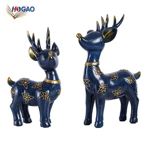 Small ornament Christmas lucky deer statue resin craft deer decor reindeer figurine for home office tabletop decorations