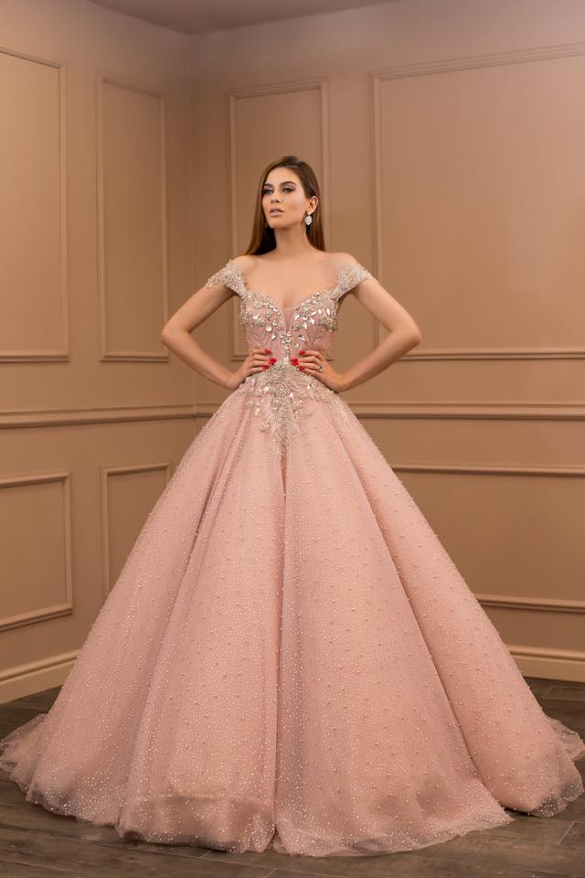 d3f283ab1a Dubai Arabic Women Formal Evening Dresses 2018 Off Shoulder Beads Puffy Ball  Gown Prom Long Gowns