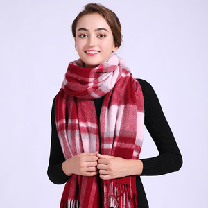 China manufacturer supply soft winter ladies knit jacquard pashmina tassels plaid check scarf