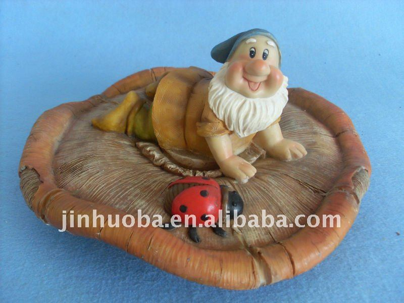 Polyresin floating gnome pond decoration