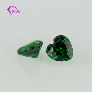 Wuzhou High quality heart shape emerald color cz zirconia stone