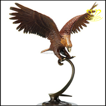 Art Home Decoration Sculpture China Bronze resin Eagle Statue