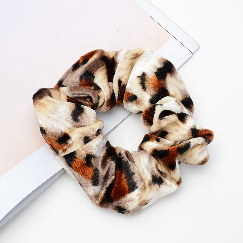 Manufacture quality wholesale leopard pattern large elasticity women hair velvet scrunchies
