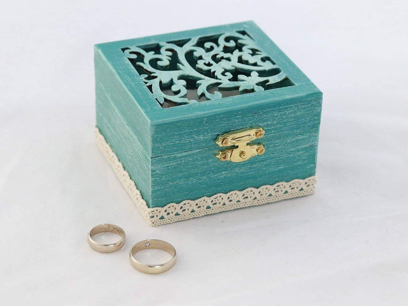 Autumn Wedding ring box Personalized ring box Custom Ring bearer box Fall Wreath box Woodland wedding Nature wedding Engagement ring box