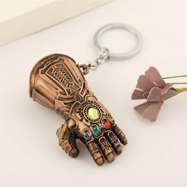 Bán buôn Movie Marvel The Avengers Endgame Thanos Infinity Gauntlet Găng Tay Keychain