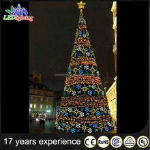 2017 Europe popular factory supplier pe artifical christmas trees