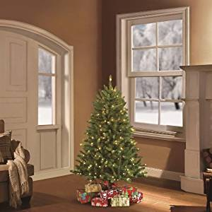 Puleo Tree Company 4.5 Pre-Lit Fraser Fir Artificial Christmas Tree with 250 UL-listed Lights
