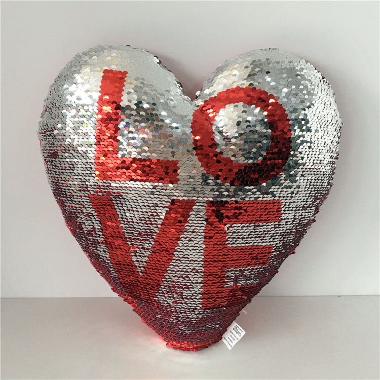 New Hot Selling Two-color Decorative Love Heart Shape reversible sequin pillow