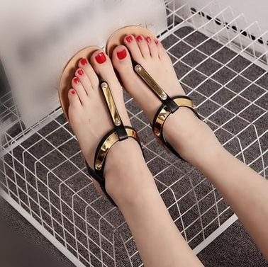 83f9304a171df girls thong sandals pictures