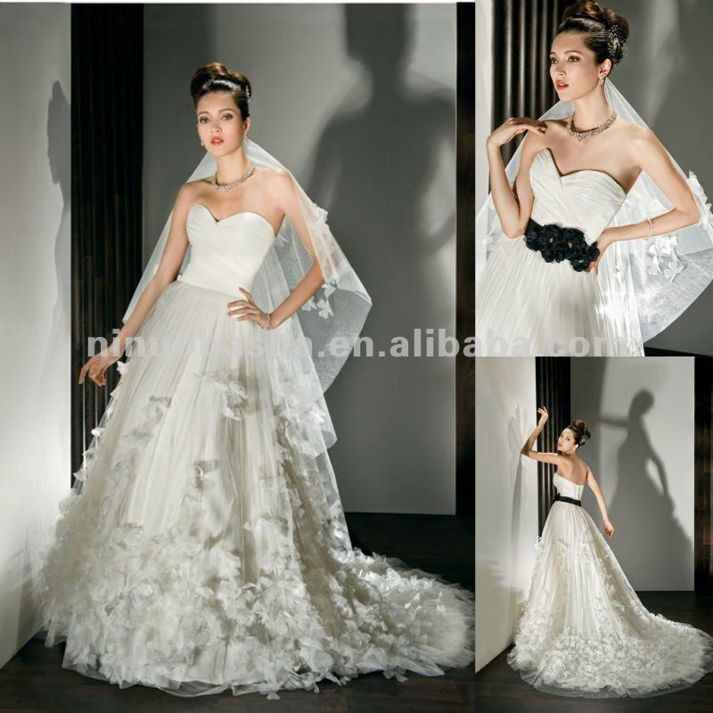 NY-2490 Strapless A - Line กับ ruched bodice และ sweetheart ชุดแต่งงาน