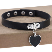 Wholesale Women Favorite Leather Punk Heart Ring Collar Choker Funky Necklace Ladies Gift