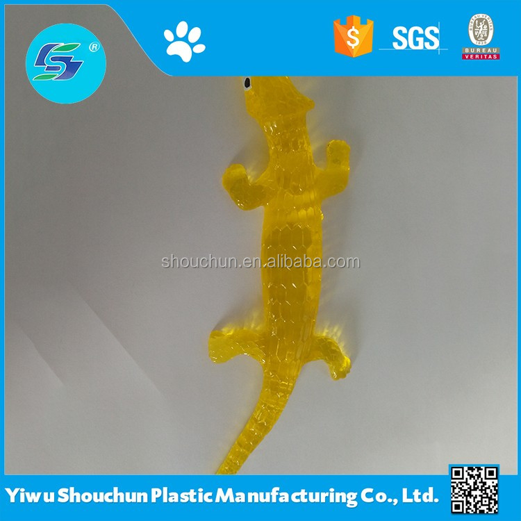 Customized cheap small plastic toys and tpr stretch sticky animal toys