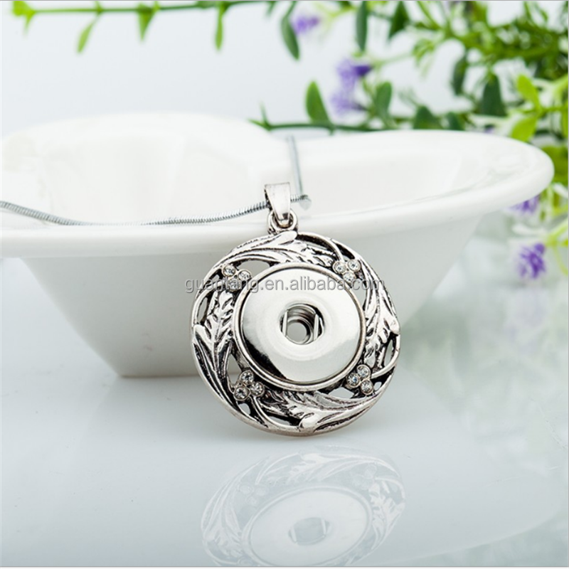 2017 Fashion Women Silver flower pendant Jewelry Custom Alloy snap Button charm Necklaces