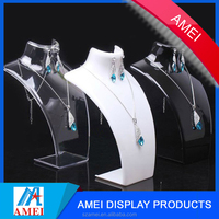 2017 custom clear Acrylic necklace stand for jewelry display