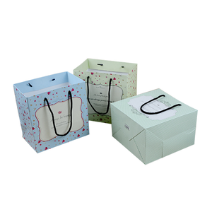 CMYK printing and matt lamination toy gift paper packaging bag