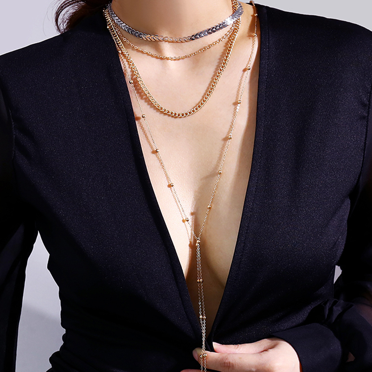 Fashion accessories, personality exaggeration sexy street clad ornaments, deep V multi layer chain ladies Necklace