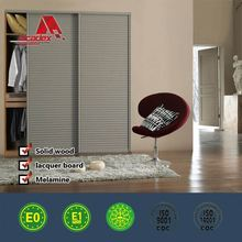 Attractive appearance hinged mirror closet doors