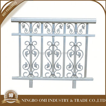 2016 latest security simple metal balcony railing design for Simple balcony grill design