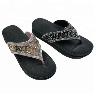 classic style first look most popular 2019 new stylish thick sole flip flops for lady
