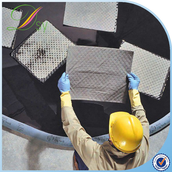 Composite non woven absorbing oil pad for oil pollution control