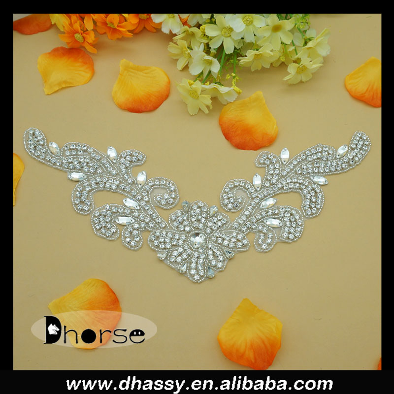 Alibaba china supplier DH-794 100%handmade bling rhinestone iron on applique for wedding dress neck design