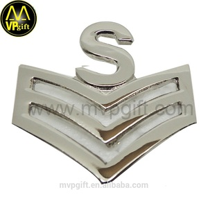 New product custom soft enamel 3D gold metal army badge