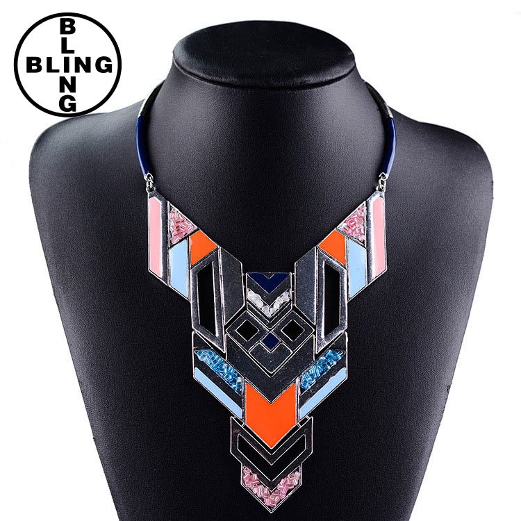 >>>2017 Western lady collar Necklace fashion geometrical shape square pendant necklace