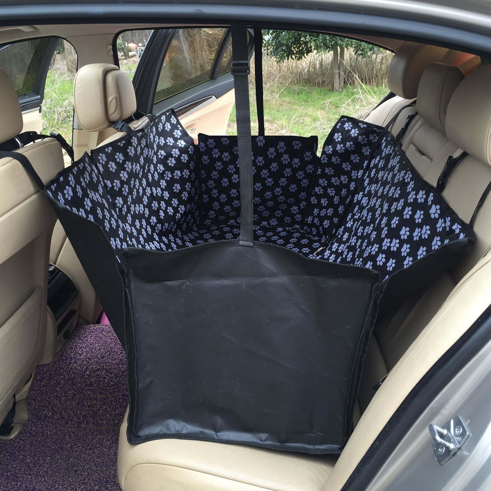 CW-B-015  Folding Pretty Waterproof Oxford Fabric Car Rear Pet Mat