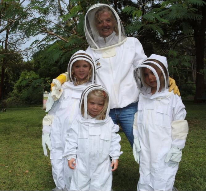 2018 Factory supplies custom made wholesale ventilated mesh vented adult children beekeeping honey bee suit
