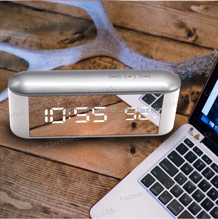 Fashionable Digital Temperature LED Mirror Table Desk Alarm Clock for Home Decoration and Cosmetic Mirror