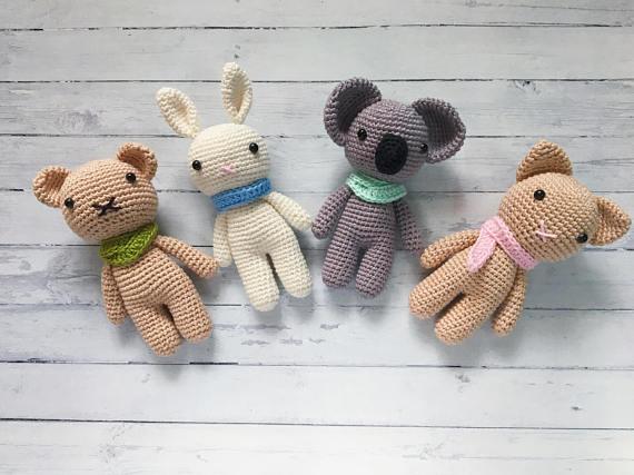 Chito Catnip Cat Toy or Keychain: Free Crochet Pattern • Chrisette ... | 427x570