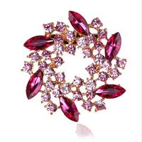High Quality Cheap Pure Handmade Beautiful Amazing Latest Design Wedding Flower Crsytal Brooch