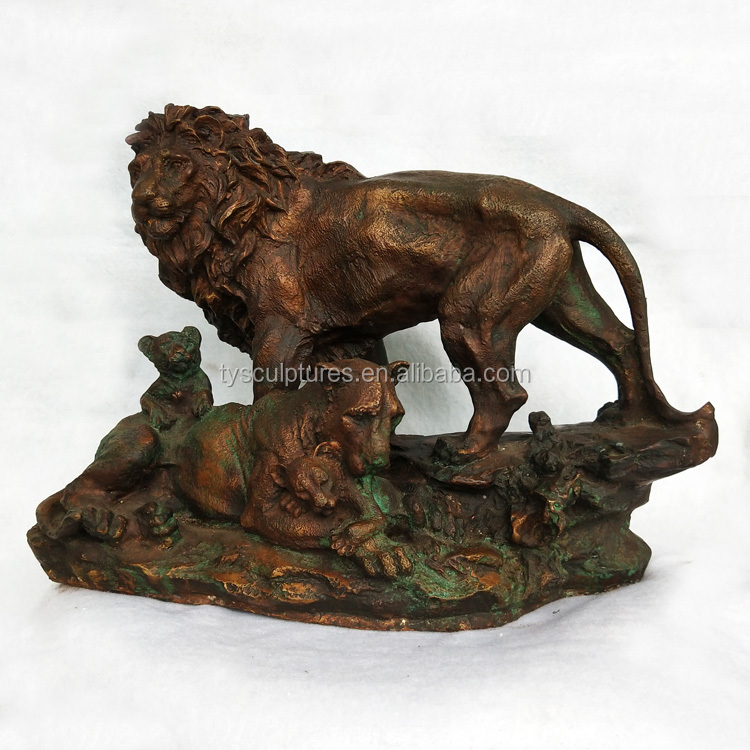 small size bronze lion with cubs statue