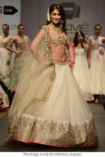 ileana d'cruz de netto-<span class=keywords><strong>lehenga</strong></span> in off white kleur