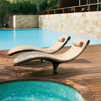 Waterproof Leaf Shape Rattan Chaise Lounge Chairs For Swimming Pool