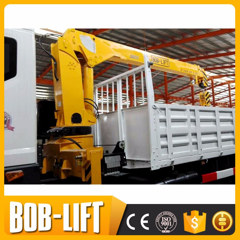 High performance hydraulic 4 ton telescopic boom truck mini lorry crane truck mounted