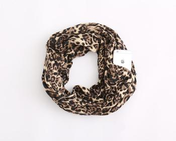 Wholesale New Fahion Leopard Snake Pattern Infinity Scarves With Zipper Pockets