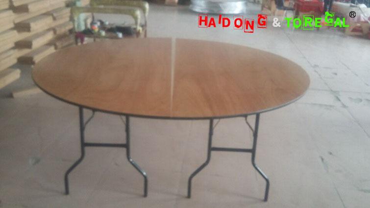 Half Table 004.jpg