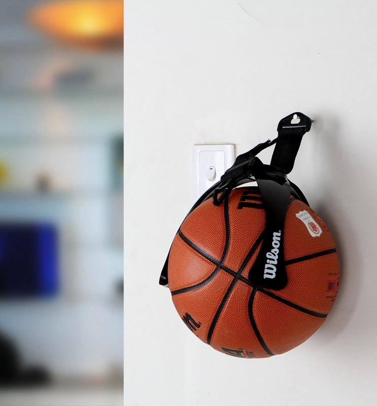 BALL HOLDER MOUNTED ON WALL