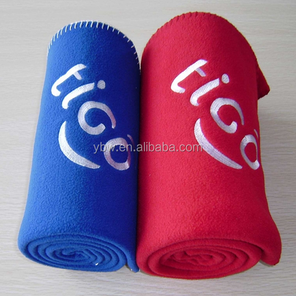 comfortable and warm knitted embroidery logo branded polar fleece blanket
