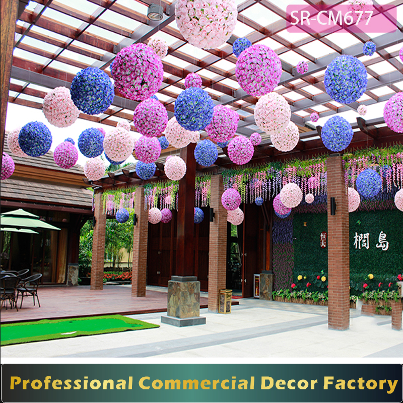 Christmas Decorations In Shopping Malls: Decoratingspecial.com