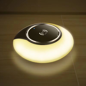 Alibaba 2018 new products hot selling qi led light fast wireless charger for samsung galaxy s9 plus charging for iphone