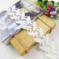 Big discount selling milk yarn silk lace trim flower guipure bridal lace for wedding dress evening dress garment decoration