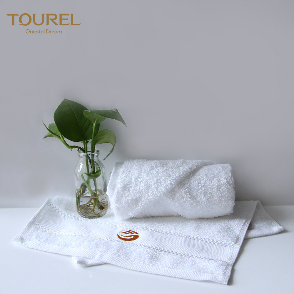 Luxury Wholesale Hotel Home White Small Personalized Hanging Fashion Guangdong Factory Compressed Colored Hand Towel