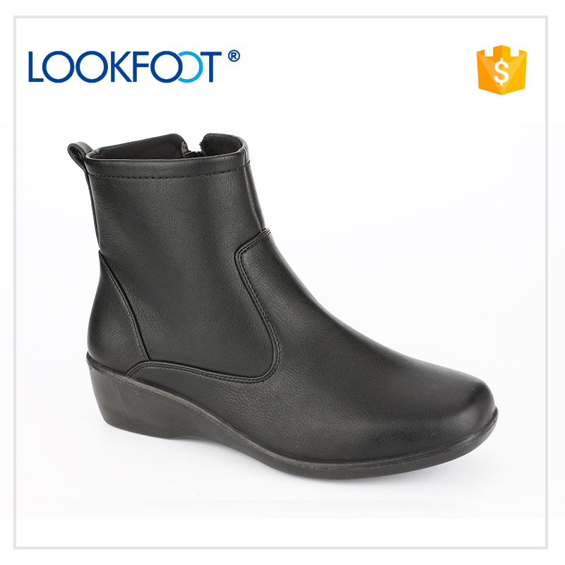 Not easily deformed Charming football women shoes boots professional