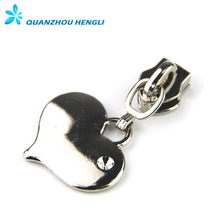 Engraved fashion decorative heart shape zipper puller