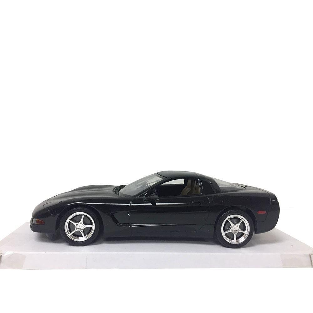 Revell Chevrolet 2001 Corvette Coupe #0927 Promo Cars Model 1:25 Scale Black Plastic Car Replica