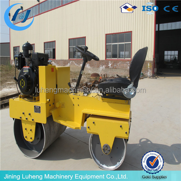 Diesel/gasoline engine concrete and asphalt ride on vibratory road roller compactor machine